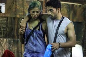 Bigg Boss 8 Day 2 Gautam Gulati flirts with Diandra Soares