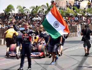 Formula one Veteran David Coulthard apologise For Indias tricolour fell on the ground