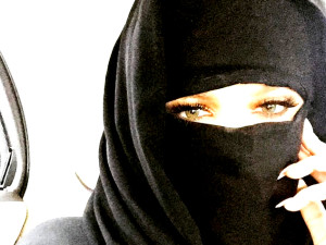 Khloe Kardashian draws criticism for wearing niqab