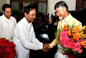 KCR to arrive today to invite Naidu for Chandiyagam