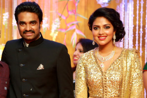 Vijay hints at Amala breaching his trust