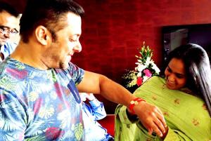 Salman Khan with girlfriend Iulia Celebrates Raksha Bandhan in style