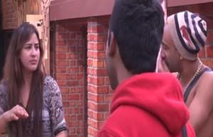 Akash Dadlani forcibly kissing Shilpa on 2